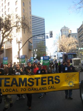 Union and community members unite at a demonstration in downtown Oakland.  © 2008 Marc Caswell