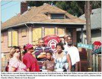 West Oakland Family Fights Foreclosure Photo:  2009  Oakland Post/ Gene Hazzard 