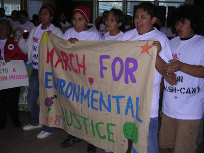 Youth confront EPA officials in the ongoing resistance to Waste Management's  dumping practices  © 2007 Greenaction